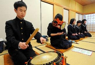 犬山高等学校制服画像