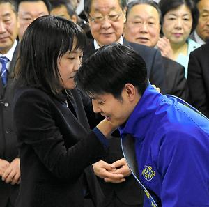 妻 鈴木 知事