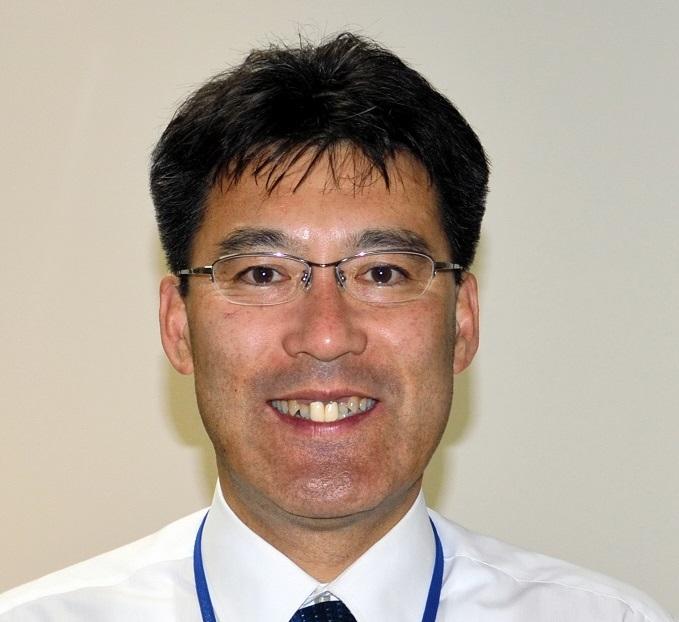 写真:茅ケ崎市職員になった富田