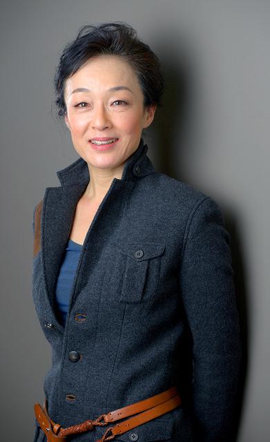 キムラ緑子さん=門間新弥撮影 (おやじのせなか)キムラ緑子さん 口論、よく取っ組み合いに(201