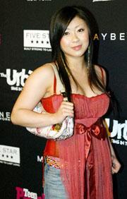 宇多田ヒカルさん、離婚したことをホームページで公開=AP 2004年11月 ロスで