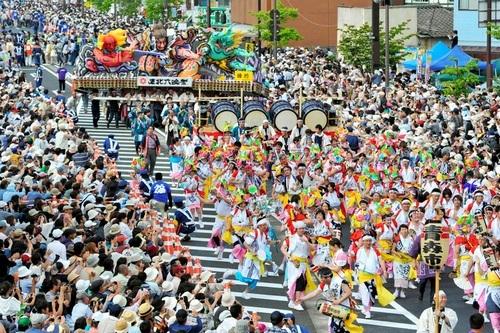 写真:東北六魂祭で披露された「青森ねぶた祭」=福島市、日吉健吾撮影 東北六魂祭で披露された「青森