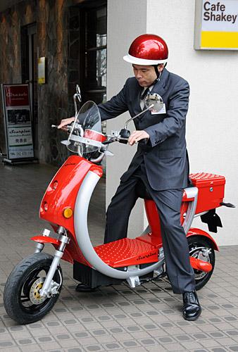 【東京】「足立のルールではコルクをかぶるとタダではすまない」 半キャップの男性に暴行、バイクを脅し取った17歳少女ら逮捕★4©2ch.netYouTube動画>1本 ->画像>37枚