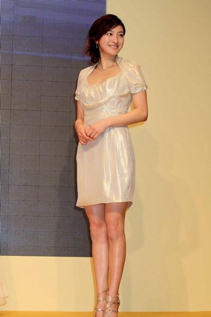 足がまっすぐできれいな広末涼子