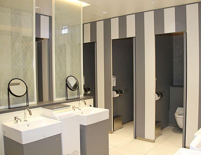 写真 3Fの女性用トイレパリのアトリエを... パリのアトリエをイメージした