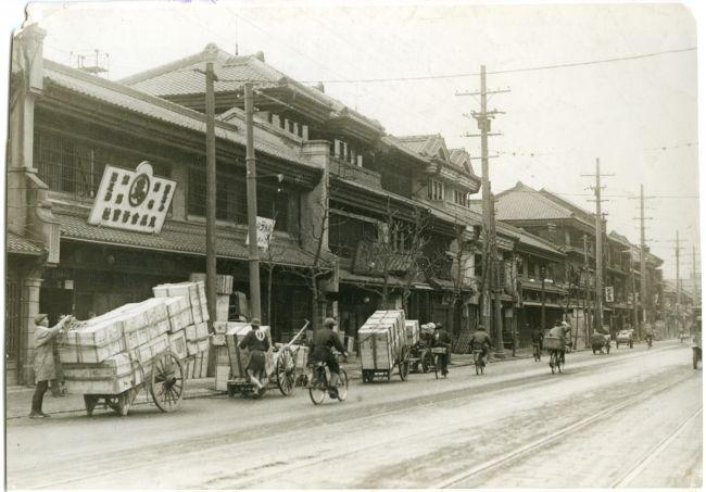 船場の本町筋=1930年撮影(3/25...