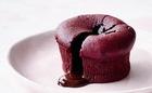 血の色にドキッ 深紅のスイーツレシピ