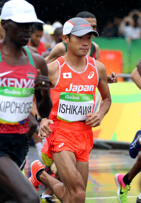 男子マラソンでスタートする石川...