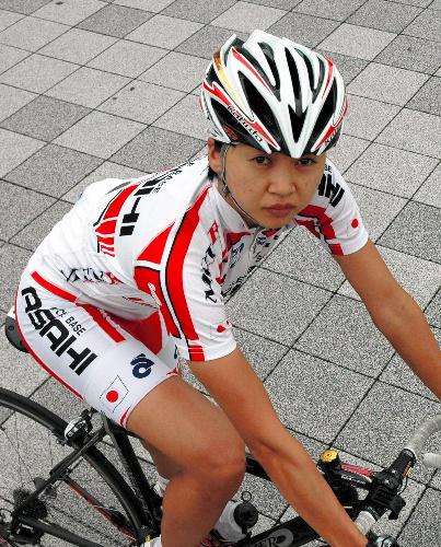 亡きライバルが託した夢とロードへ 自転車女子・萩原