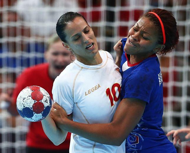 ハンドボール女子準々決勝、モンテネグロ1点差でフランスを下す=ロイター