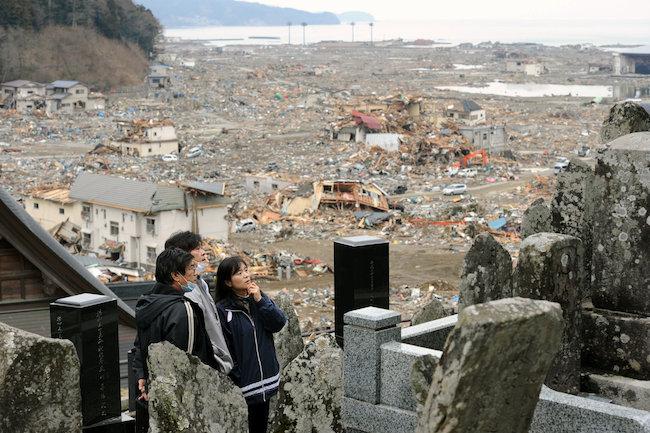 asahi.com(朝日新聞社):岩手県陸前高田市の中心部を見下ろす ...
