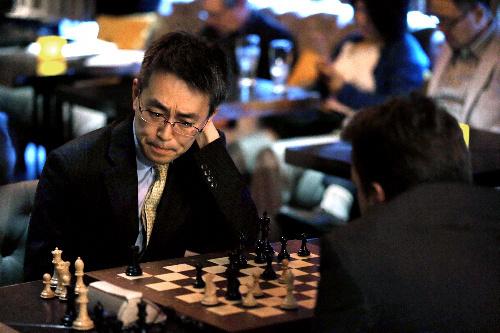 朝日新聞デジタル:羽生二冠、チェスで引き分け 世界トップ級 ...