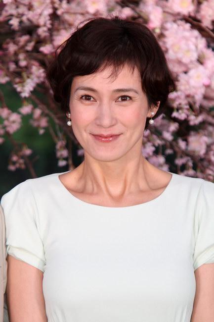 朝日新聞デジタル:安田成美 , 「HOME 愛しの座敷わらし