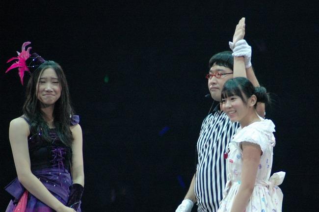 http://www.asahi.com/showbiz/gallery/20110921akb48/images/janken038.jpg
