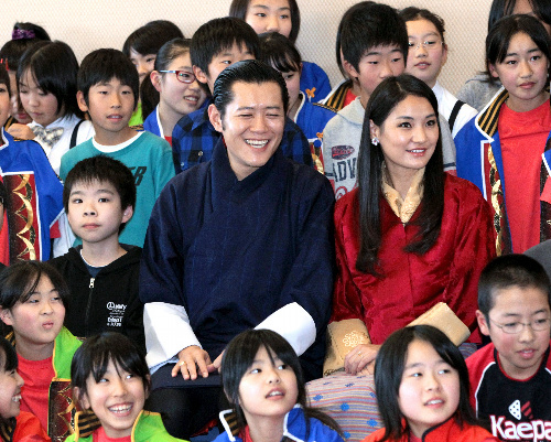 http://www.asahi.com/special/10005/images/TKY201111180616.jpg