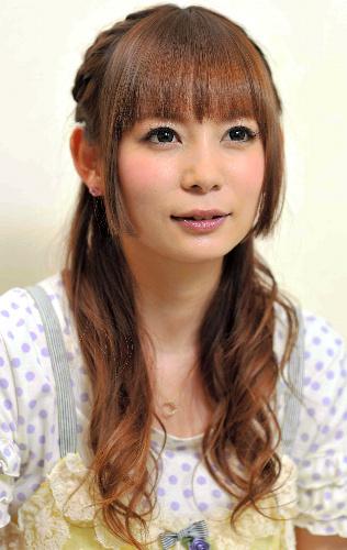【中川翔子】ジョジョ ナランチャポーズでお尻骨折 TKY201208140501 芸能ニュース