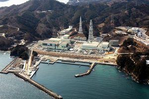 東北電力の女川原子力発電所=2012年2月22日、宮城県女川町、朝日新聞社ヘリから