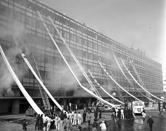 1955年 昭和30年 の秋季火災予防運動が始まった11月26日 東京消防庁は