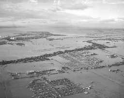 写真:伊勢湾台風の高潮で浸水した名古屋:伊勢湾台風の高潮で浸水した名古屋 伊勢湾台風の高潮で浸水