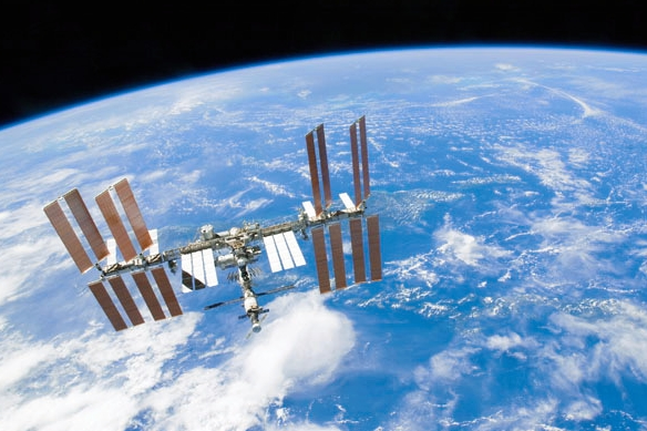 宇宙 ステーション 通過