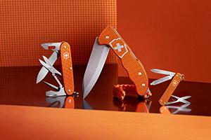 ビクトリノックスから限定色のコレクターズナイフが発売
