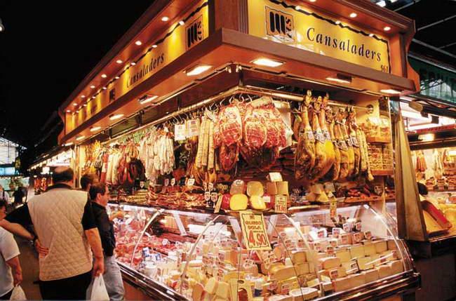 朝日新聞デジタル:スペイン、バルセロナのボケリア市場 (c) ESCUDERO Patrick / HOA-QUI - 『一生に一度だけの旅  discover 世界の市場めぐり』 (3/10) - フォトギャラリー