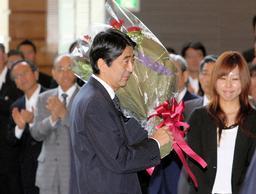 asahi.com:安倍内閣が総辞職 首相在任期間は365日 - 福田新内閣